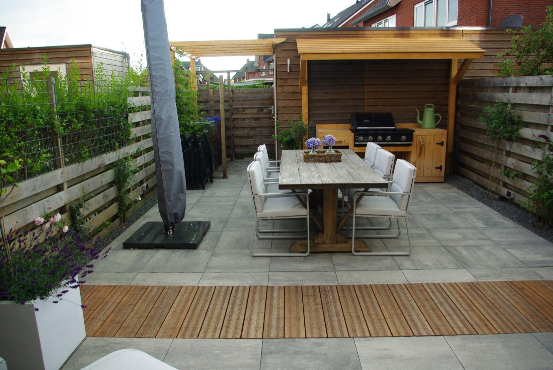 Herinrichting voor en achtertuin meppel tuin vice for Herinrichten woonkamer